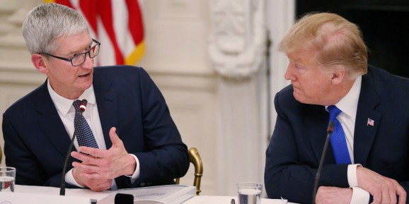 Tim Cook tells Donald Trump that U.S. tariffs on Chinese imports could hurt Apple, help Samsung