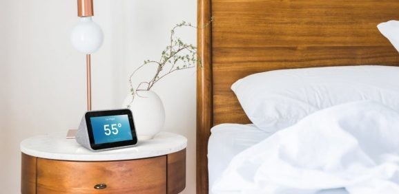 Lenovo Smart Clock with Google Assistant gets a digital photo frame