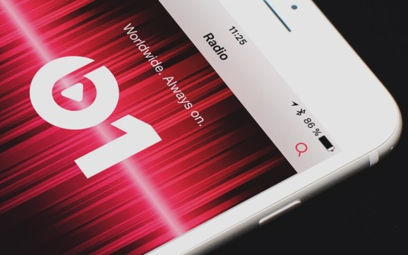 Apple fires back at report that many are ditching Apple Music