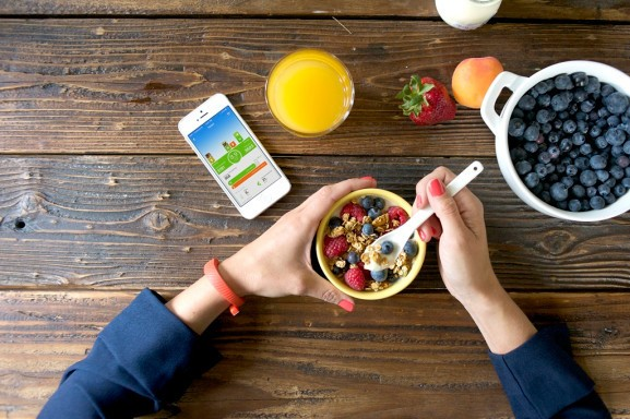 Jawbone's Up fitness band gets food tracking you may actually want to use