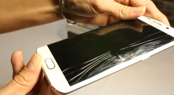 Samsung's Galaxy S6 Edge screen costs $200-$260 to replace, and isn't covered under warranty