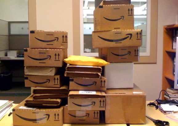 Amazon forges new deal with USPS to deliver packages on Sundays