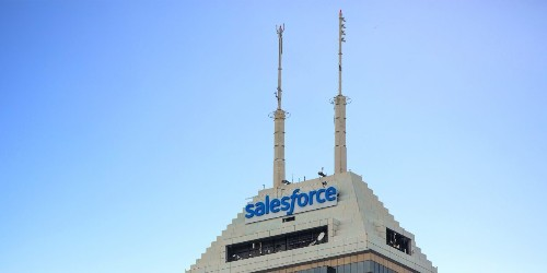 Salesforce's AI navigates Wikipedia to find answers to complex questions