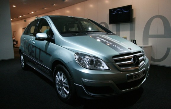 Mercedes could launch its next hydrogen fuel cell car in 2017