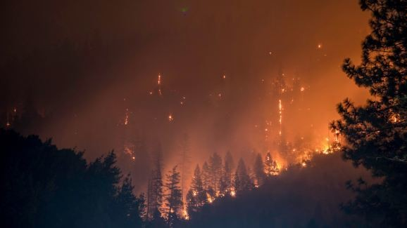 Researchers use machine learning to predict large wildfires