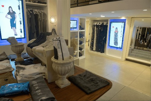 CheckOut launches an online to offline retail solution that utilizes machine learning and smart screens