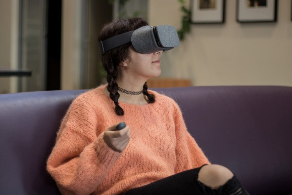 Learning to design virtual reality for accessibility