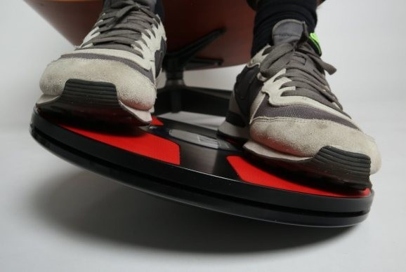 3dRudder Wireless lets you control VR games — with your feet