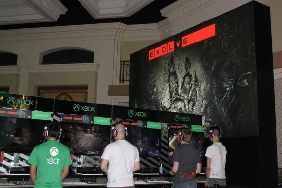Evolve alpha on PS4 postponed due to Sony's 2.0 update