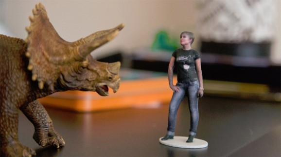 Forget selfies: Use a Kinect camera to make a 3D figurine of … you