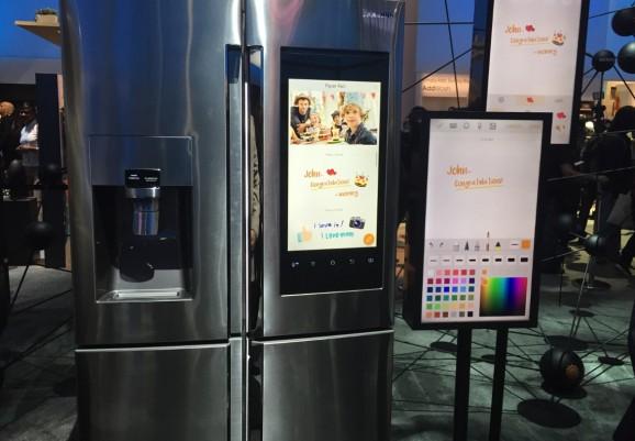 Hands-on demo of the Samsung Family Hub refrigerator