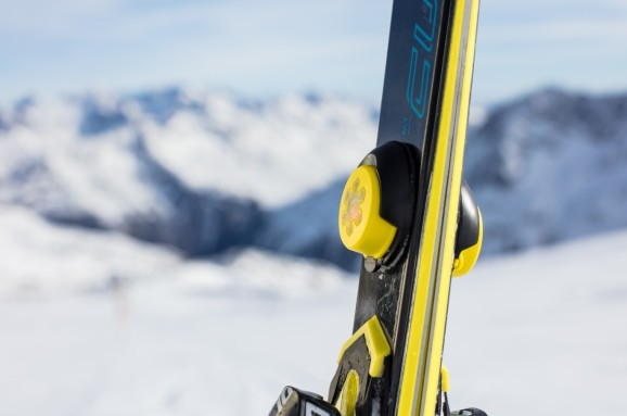 AI identifies skiing techniques through pole data