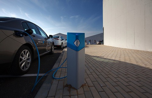 Volvo develops structural, supercapacitor nanobatteries for future electric cars