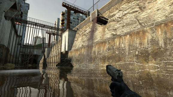 10 years on, Half-Life 2 gets a major graphics update on Steam