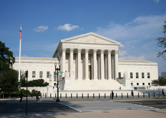 U.S. Supreme court agrees to hear Samsung-Apple patent fight