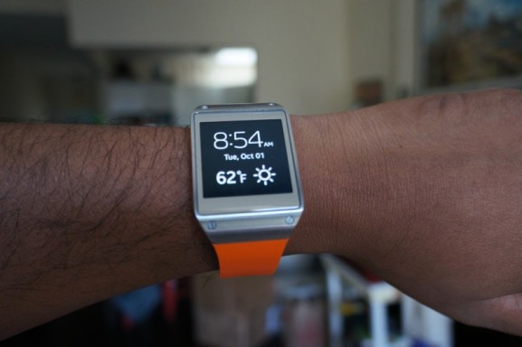 Samsung updates its first Galaxy Gear smartwatch to replace Android with Tizen