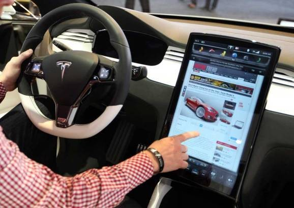 Here's what Tesla Model S drivers are really doing in their connected cars