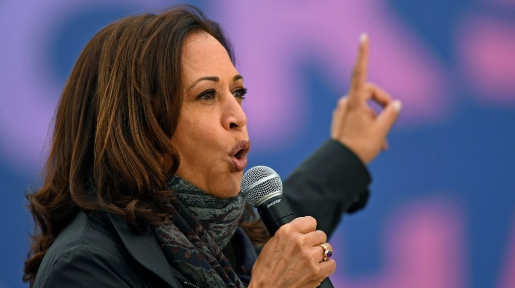 No, Kamala Harris Didn't Breach Election Rules at an Ohio Polling Station