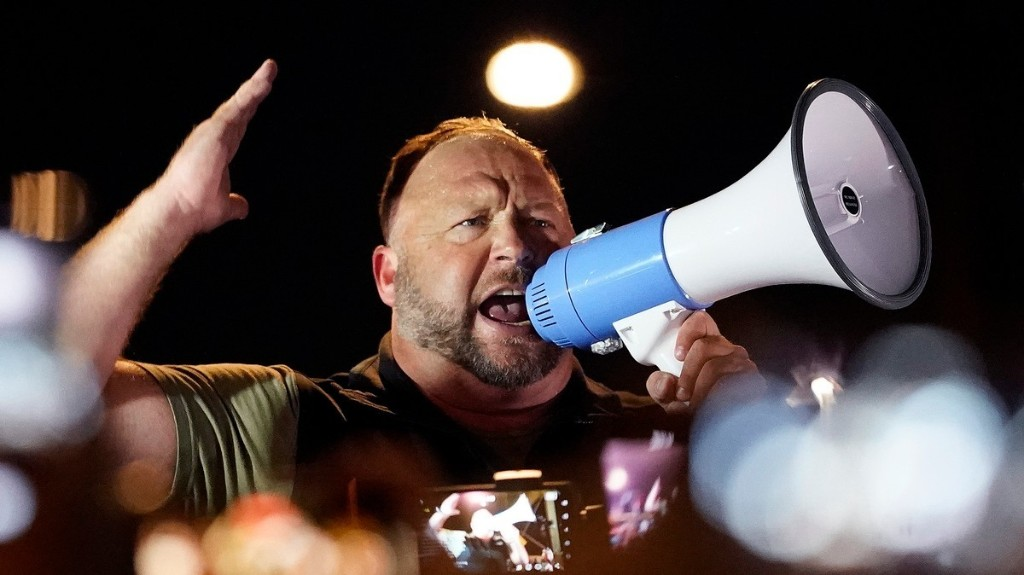 Alex Jones Tried to Start a Riot Outside an Election Office in Arizona
