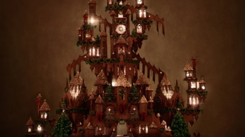 Behold, The Most Immaculate Gingerbread House Ever