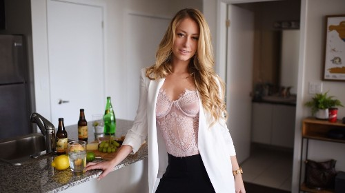 I Ditched My Banking Job to Be a Sex Worker