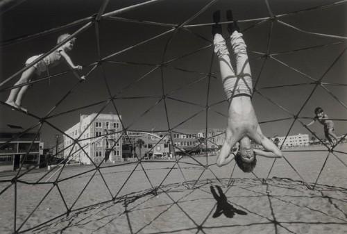 rediscovering claudio edinger's 1985 portraits of venice beach eccentrics