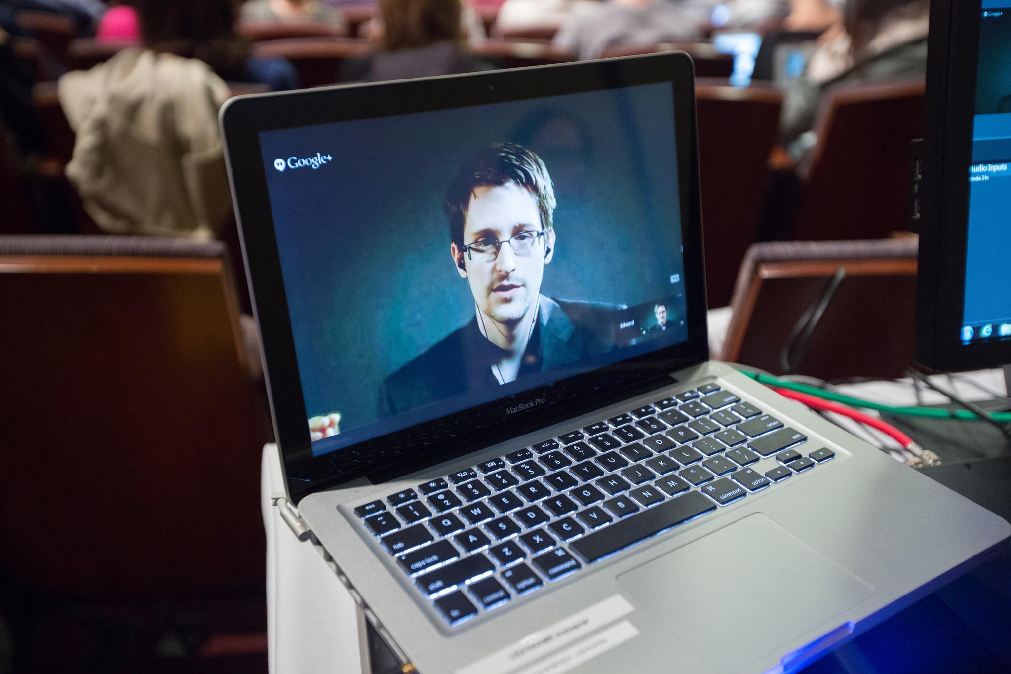 Snowden's Favorite Cloud Service Now Has a Group Chat App