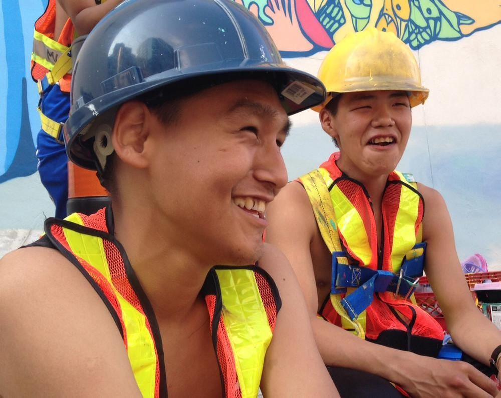 These Nunavut Teenage Artists Finished a Massive Toronto Mural