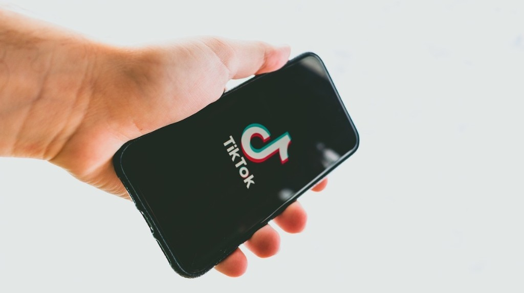 VICE - Be Careful What You Copy and Paste on Your iPhone. TikTok May Be Reading It.
