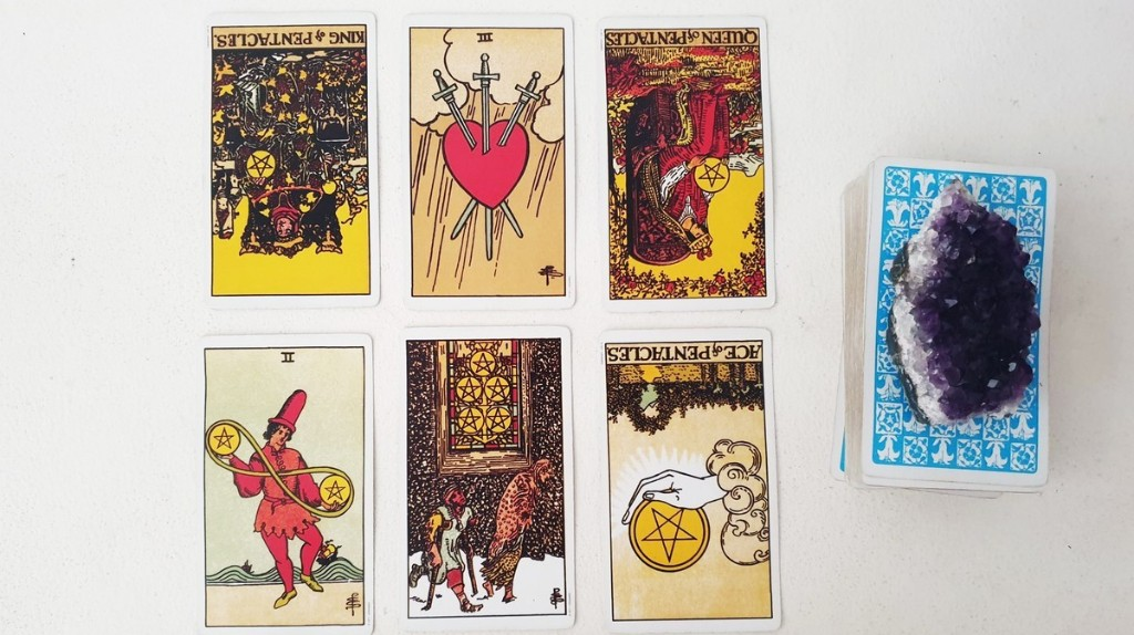 Your July 2020 Tarot Reading From the VICE Fortuneteller