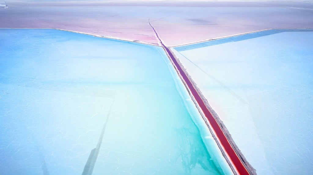 These Aerial Photos Make Salt Ponds Look Like Abstract Art