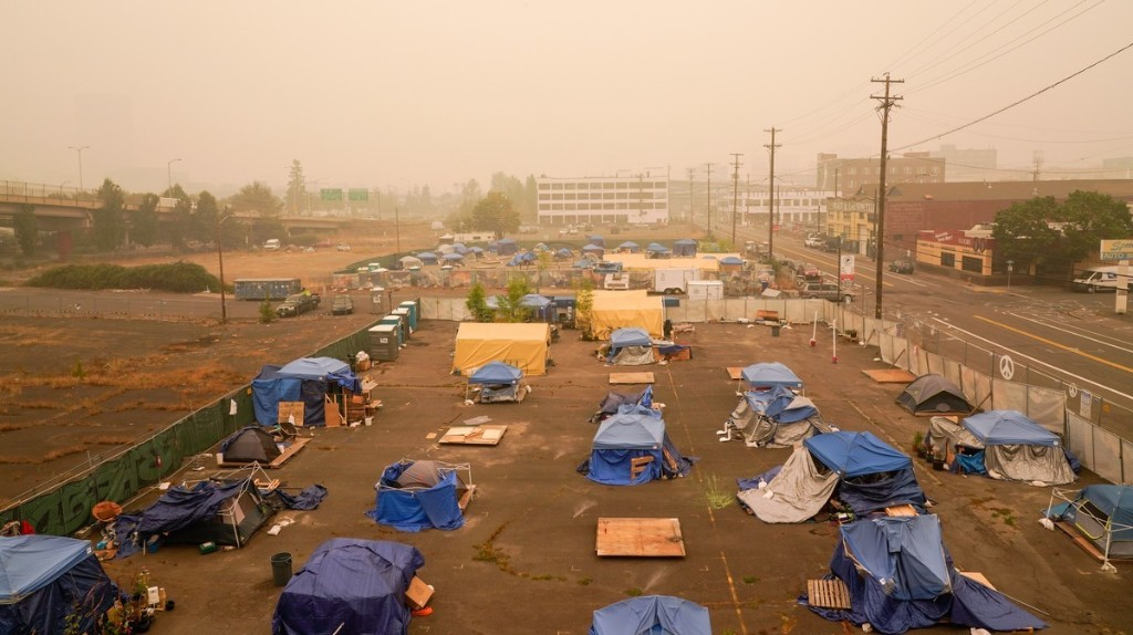 Wildfires Put the Unhoused On the Front Lines of the Climate Crisis