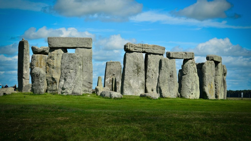 Scientists Found a Mysterious Structure of Deep Shafts Near Stonehenge