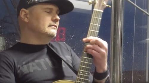 Watch Billy Corgan Cover The Velvet Underground in His Tea House