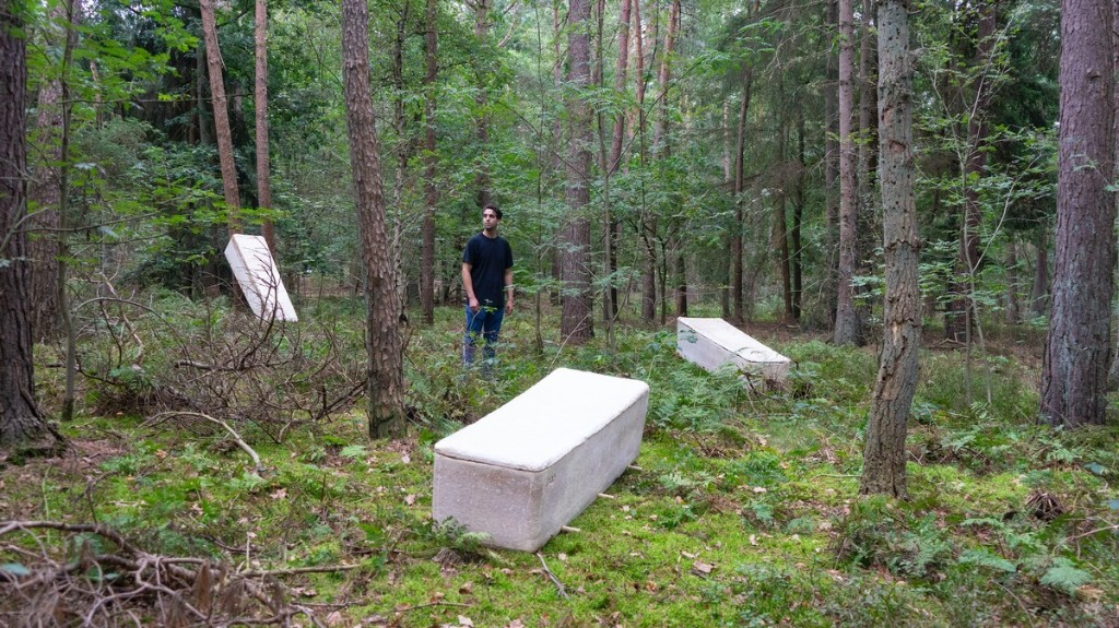 This 'Living' Coffin Uses Mushrooms to Compost Dead Bodies