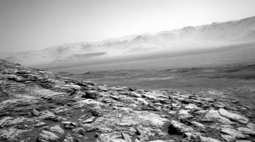 Le rover solitaire de la NASA a pris d'incroyables photos de Mars