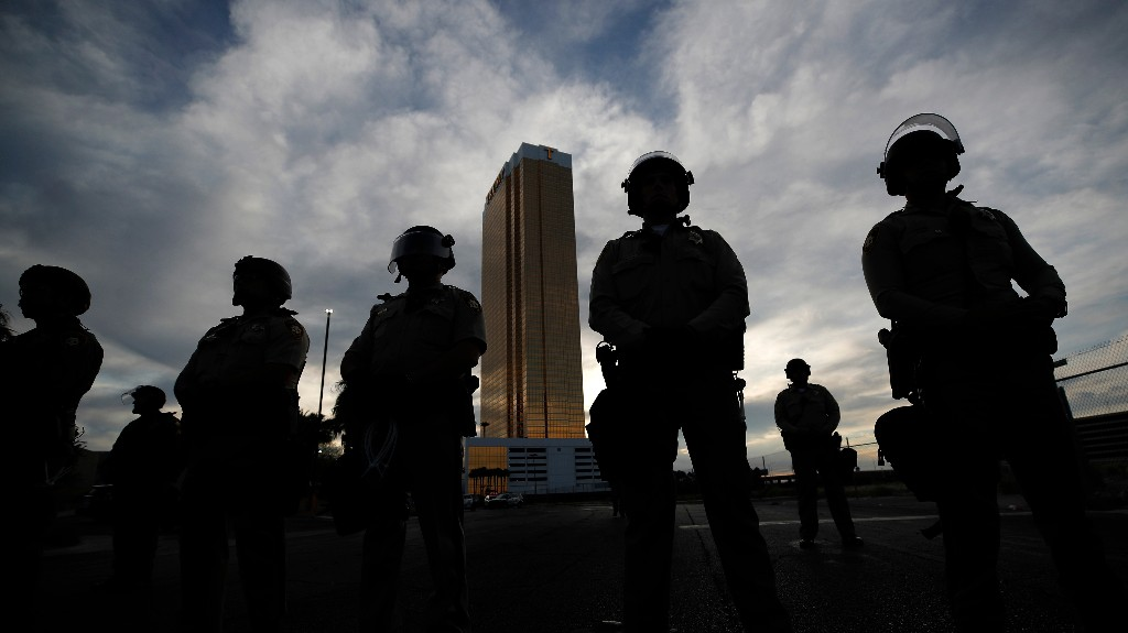 A Police Officer Was Shot in The Head on the Las Vegas Strip During Monday Night's Protests