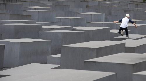 Freu dich, AfD: Viele junge Deutsche haben keine Ahnung vom Holocaust
