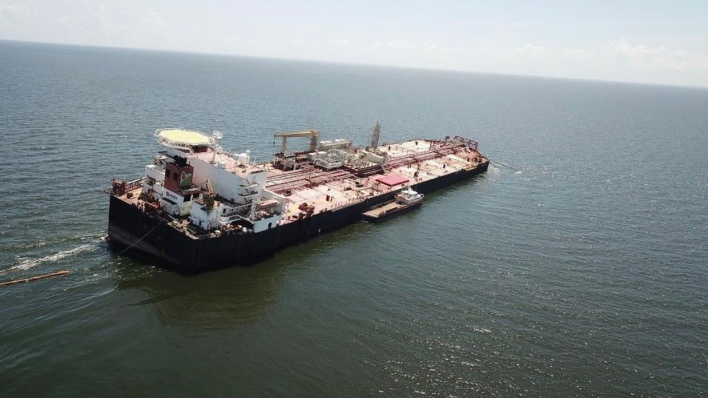 An Abandoned Oil Tanker In the Caribbean Is an Environmental Time Bomb