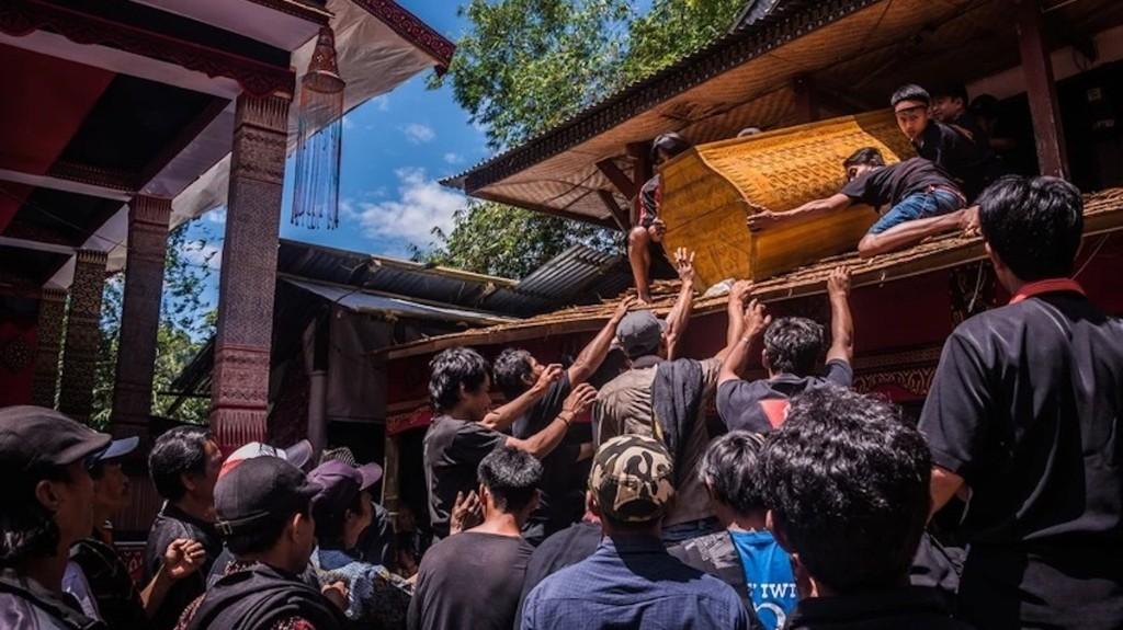 L'amour au-delà de la mort : les rites funéraires uniques des Toraja