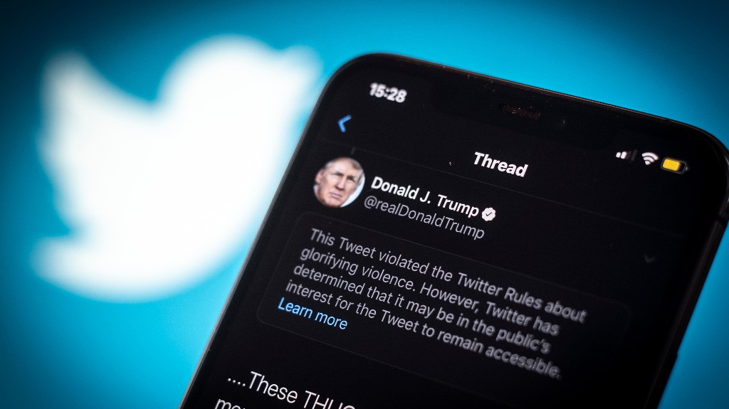 A Twitter Account That Copies Trump's Tweets Word For Word Got Suspended Within 3 Days