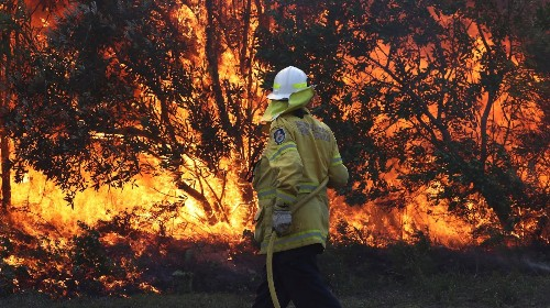 As Drought-Hit Australia Burns, Victims Cling to the Idea That Climate Change Is 'Unproven'
