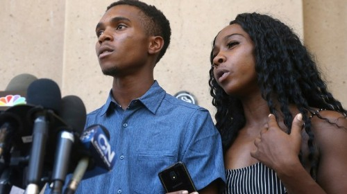 """Family Held at Gunpoint by Phoenix Cops Says Apologies Are a """"Slap in the Face"""""""