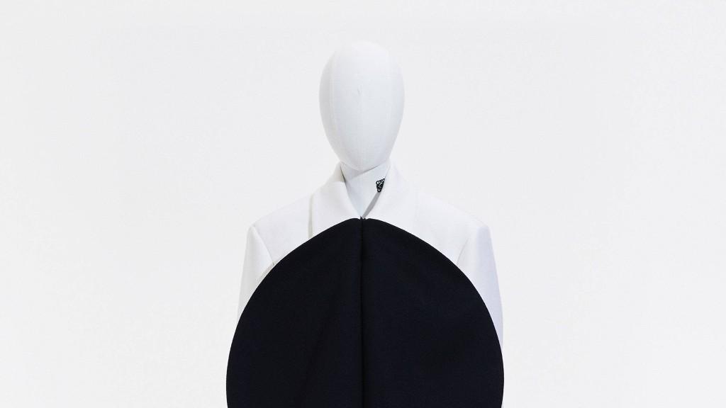 Loewe Spring 2021 Menswear Fashion Show