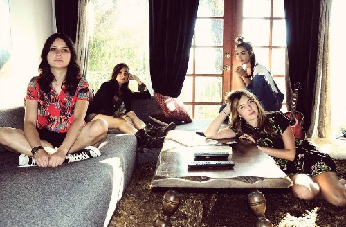 Warpaint's Rock Star Beauty: At-Home Hair Dye, Lipstick as Eyeliner, and the Best Mascara of All Time