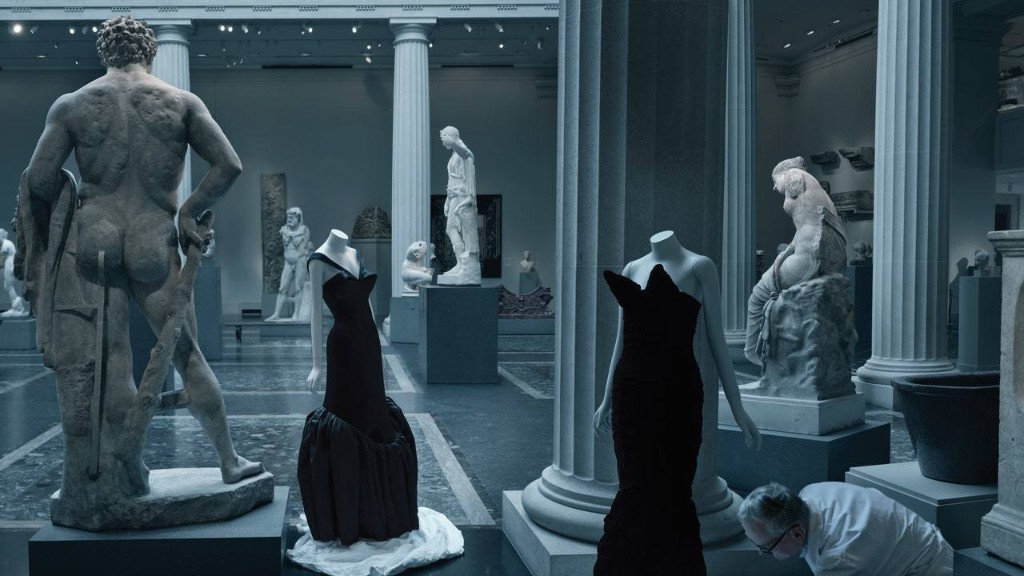 Fly Through a Virtual Preview of Es Devlin's Exhibition Design for 'About Time: Fashion and Duration'
