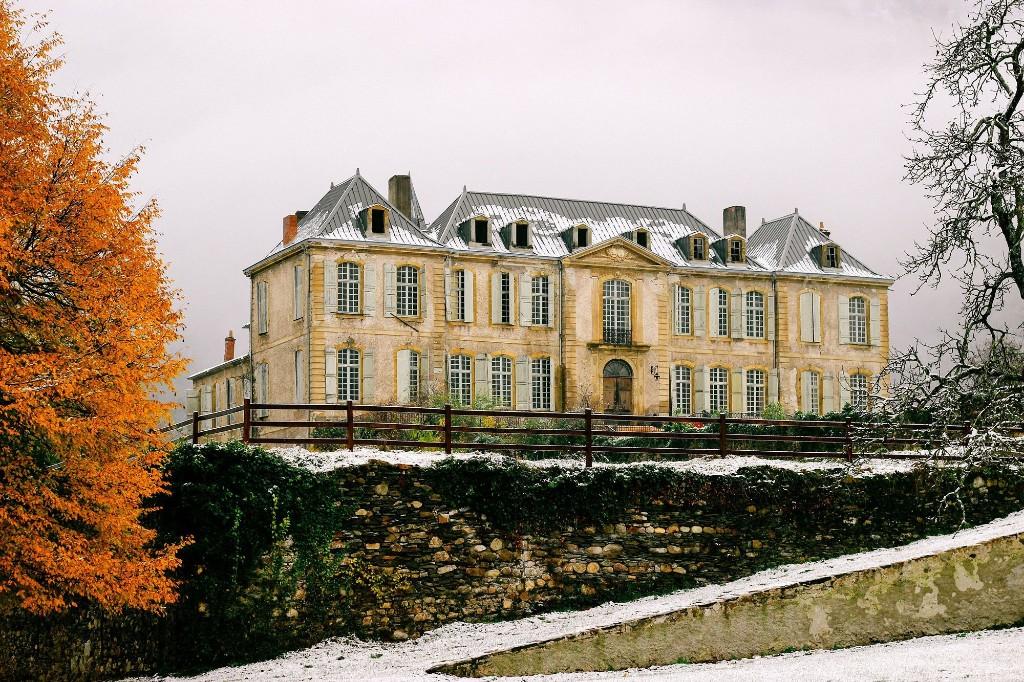 Chateau - Magazine cover