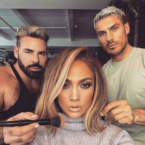 Jennifer Lopez's New Haircut Brings Summertime Swagger to the Holiday Season