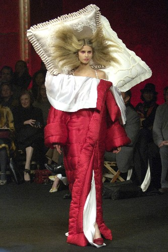 Viktor & Rolf's Surreal Fall 2005 Show Provides a Dose of Fashion Escapism