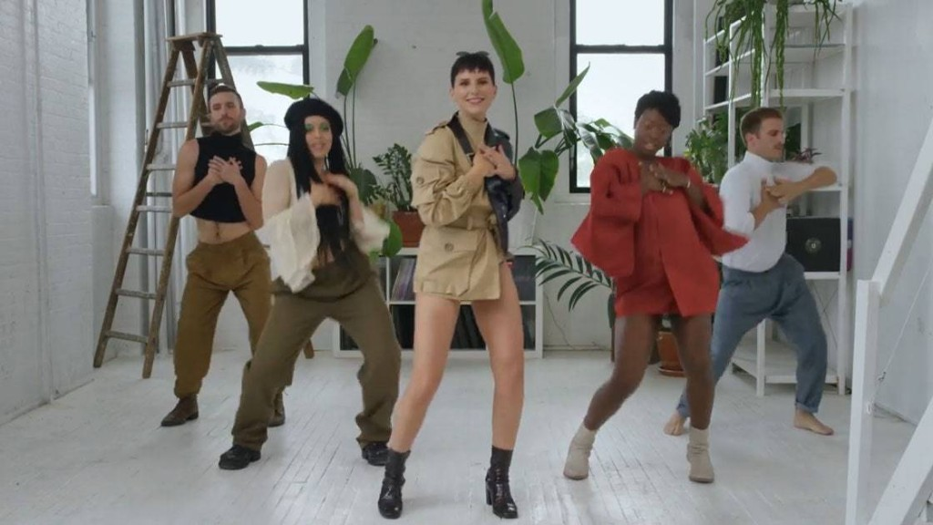 This Solange-Approved Singer Comes Into Her Own With a Chic Visual Ode to Polyamory